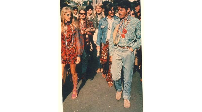 Bergaya dengan Retro Style tahun 1960an