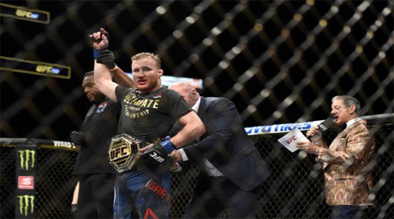 Tony Ferguson dikalahkan Justin Gaethje di UFC 249