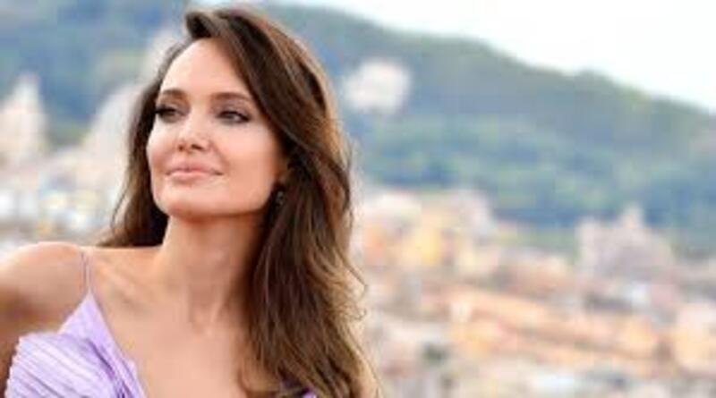 Karier Angelina Jolie Pasca Bercerai