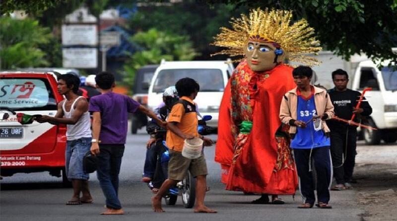 Benarkah, Pemerintah DKI Jakarta Melarang Penggunaan Ondel-Ondel Untuk Ngamen?